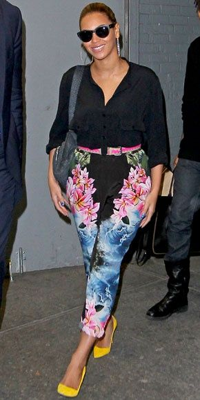 Style Watch: Celebrity spring looks with print pants