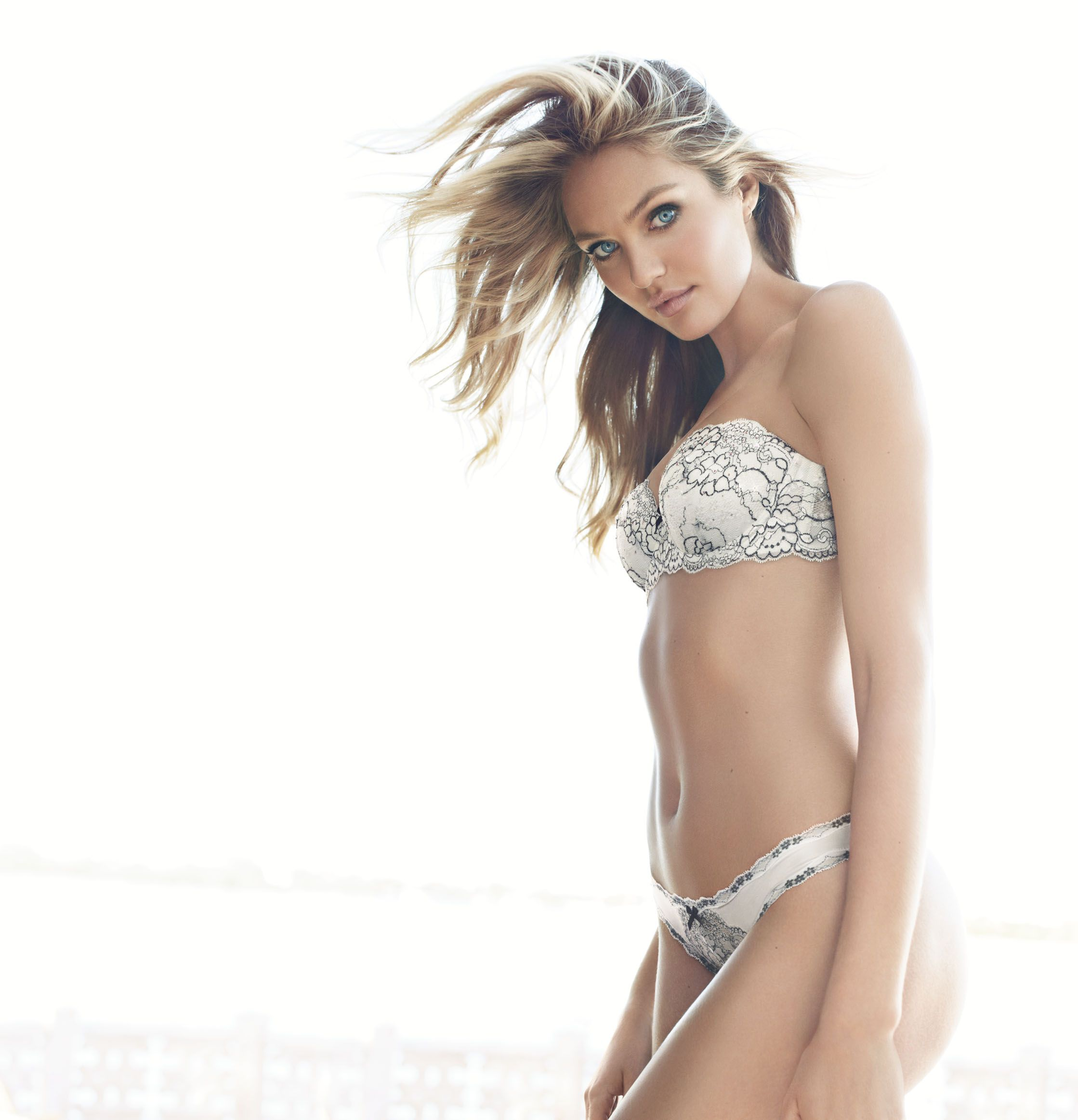dream-angels-2013-candice-swanepoel-multi-way-bra-victorias-secret-hi-res