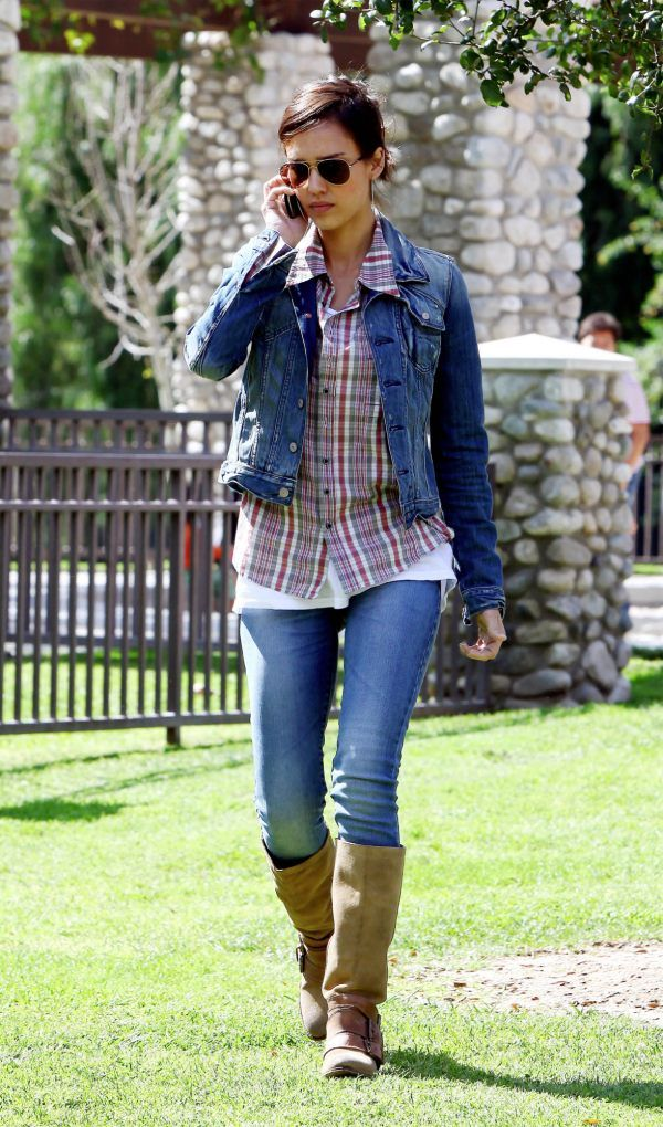 -jessica-alba-7-for-all-mankind-denim jacket-double-denim-jt3