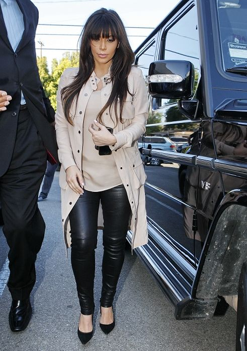 Kim Kardashian and her sisters go for an early mexican dinner at Casa Vega.