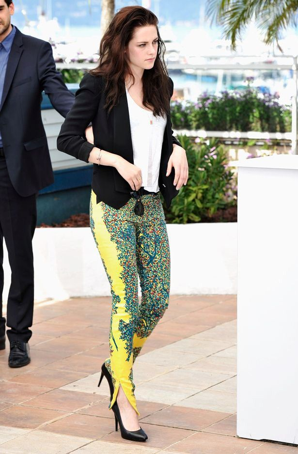 Style Watch: Celebrity spring looks with print pants | Fab Fashion Fix