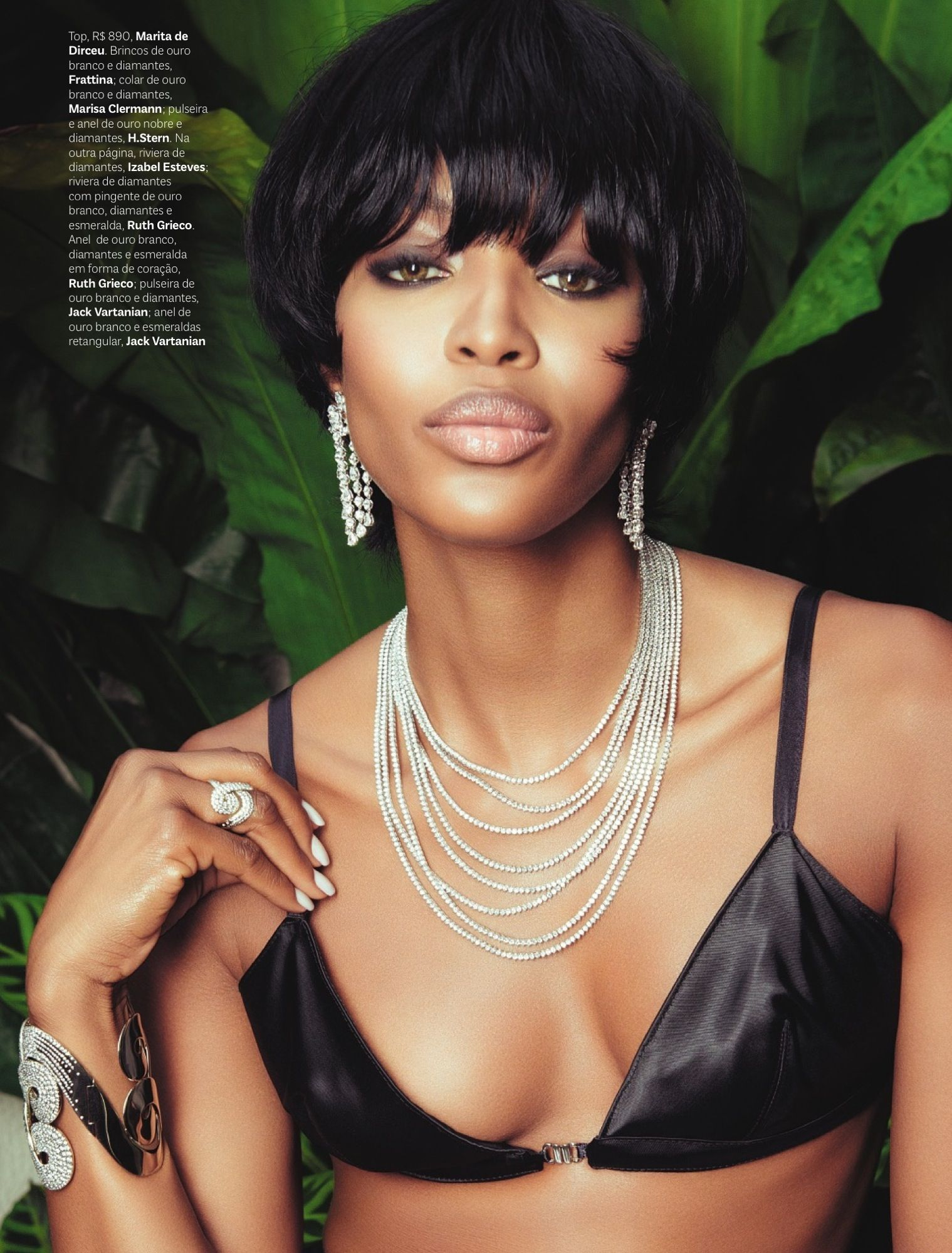 Naomi Campbell Vogue Brazil May 2013_27