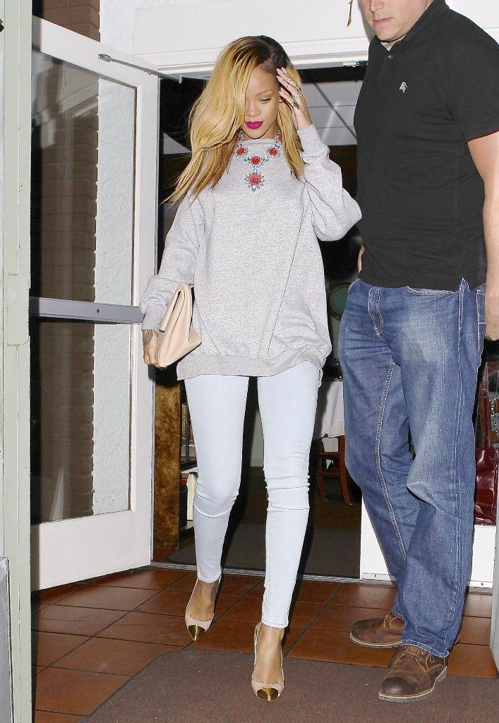 Rihanna leaving Giorgio Baldi Restaurant in LA 19.5.2013_02