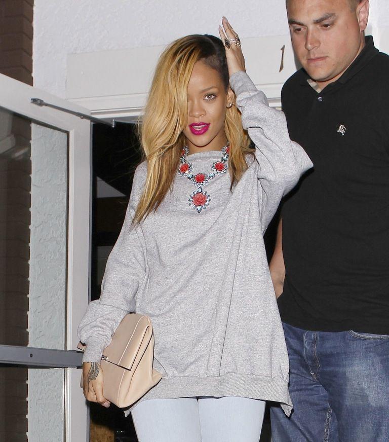 Rihanna leaving Giorgio Baldi Restaurant in LA 19.5.2013_05