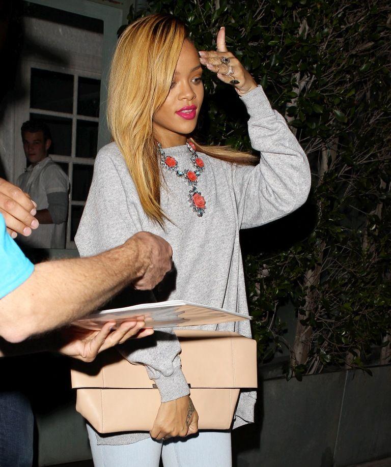 Rihanna leaving Giorgio Baldi Restaurant in LA 19.5.2013_20