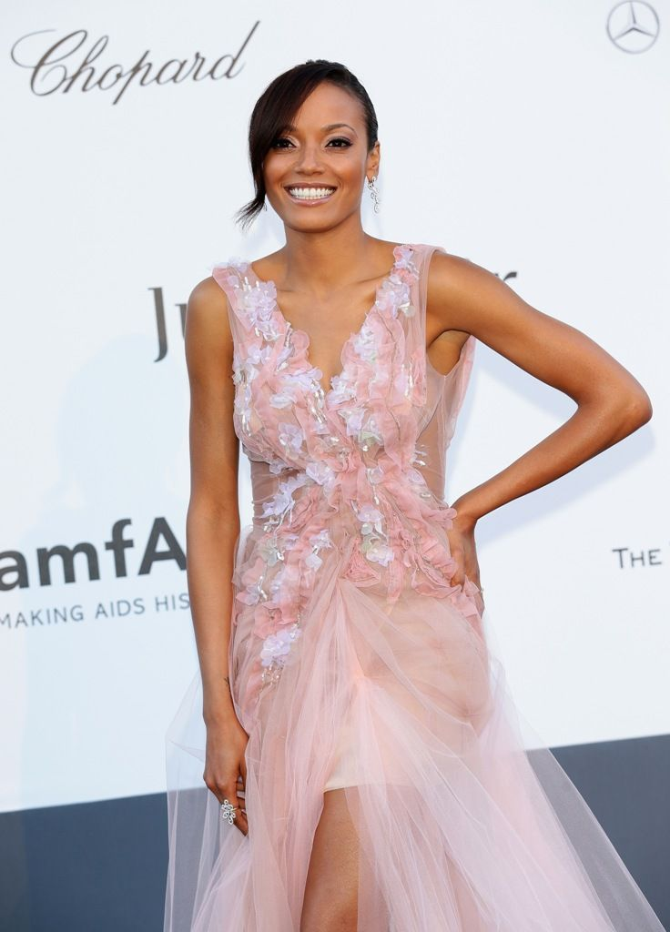 Selita_Ebanks_attends_amfAR_s_20th_Annual_Cinema_Against_AIDS_in_Cap_d_Antibes_23.5.2013_04