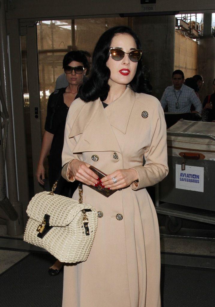 celebrity-paradise.com-The Elder-Dita Von Teese 2013-05-17 - At LAX Airport _8_