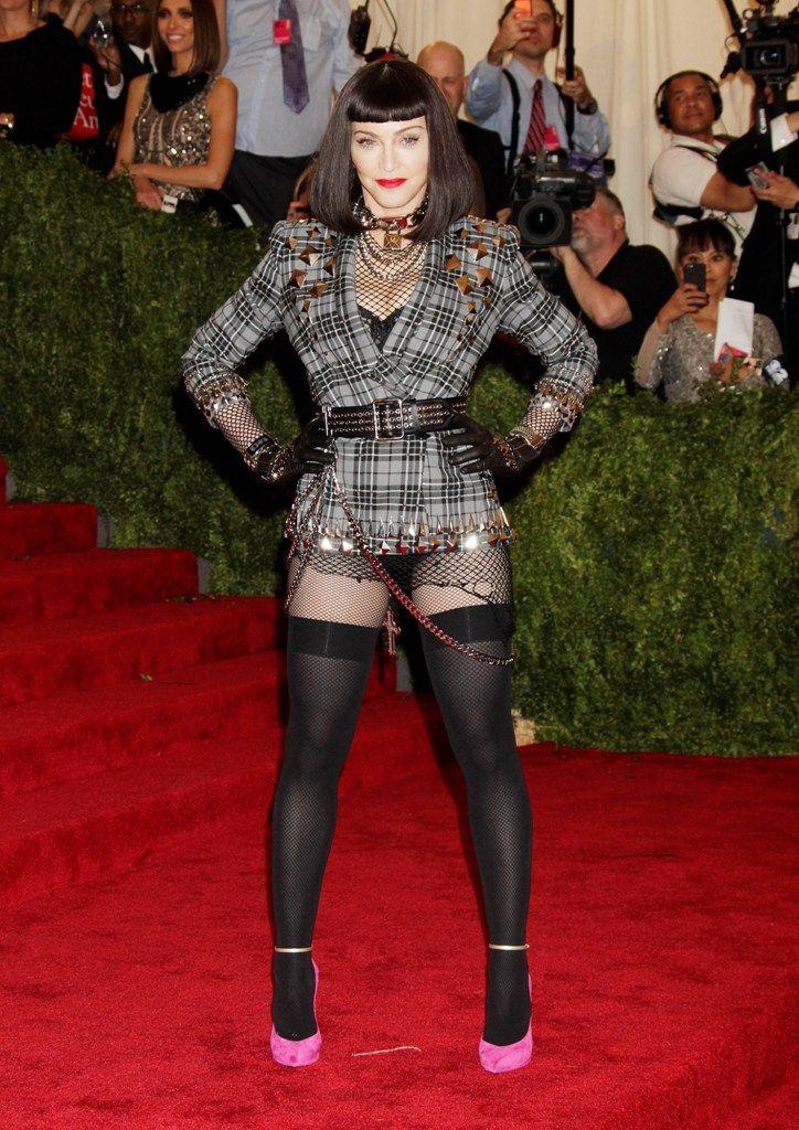 celebrity-paradise.com-The Elder-Madonna _12_