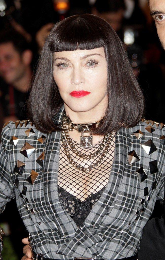 celebrity-paradise.com-The Elder-Madonna _18_