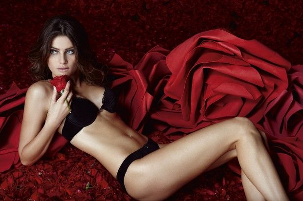 "victoria secret valentine's day 2018 - Isabeli Fontana for Un i ""Red Roses"" lingerie campaign"