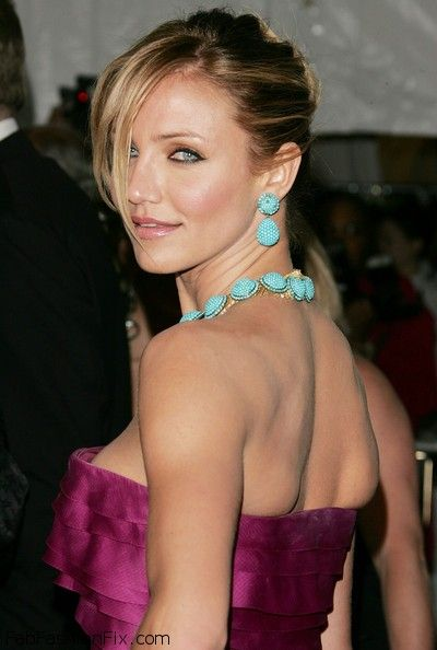 Cameron+Diaz+Statement+Necklace+Turquoise+18Y_nhLN2ggl