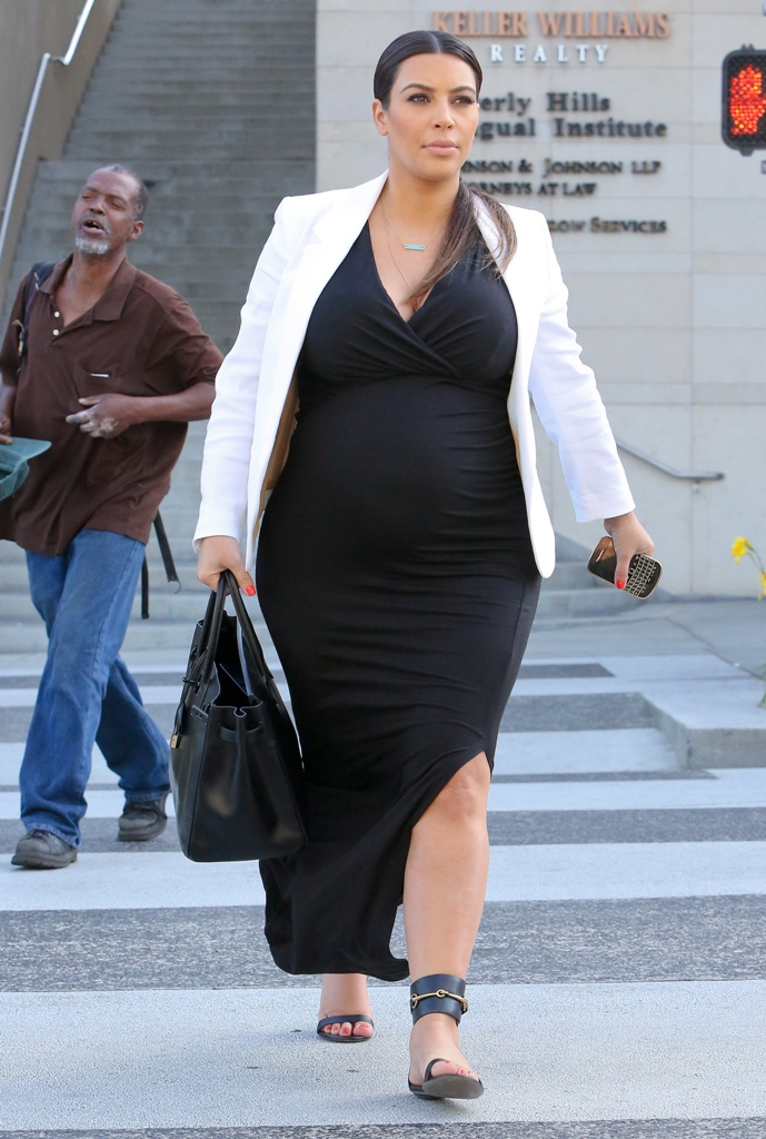 celebrity-paradise-27.com-The_Elder-Kim_Kardashian_2013-05-24_-_leaving_La_Scala_restaurant_in_Beverly