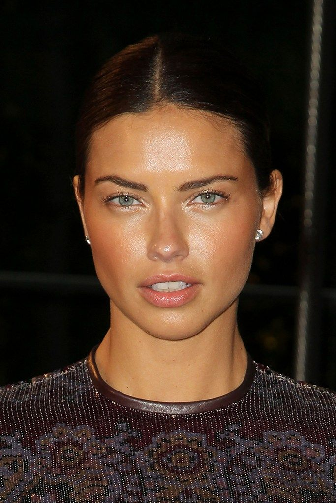 celebrity-paradise.com-The Elder-Adriana Lima _5_