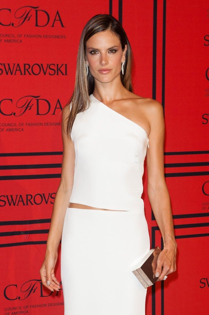 celebrity-paradise.com-The Elder- Alessandra Ambrosio_9_