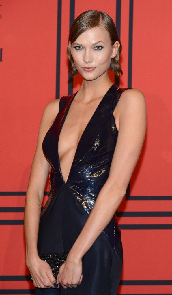 celebrity-paradise.com-The Elder-Karlie Kloss _25_
