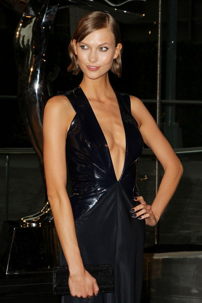 celebrity-paradise.com-The Elder-Karlie Kloss _3_