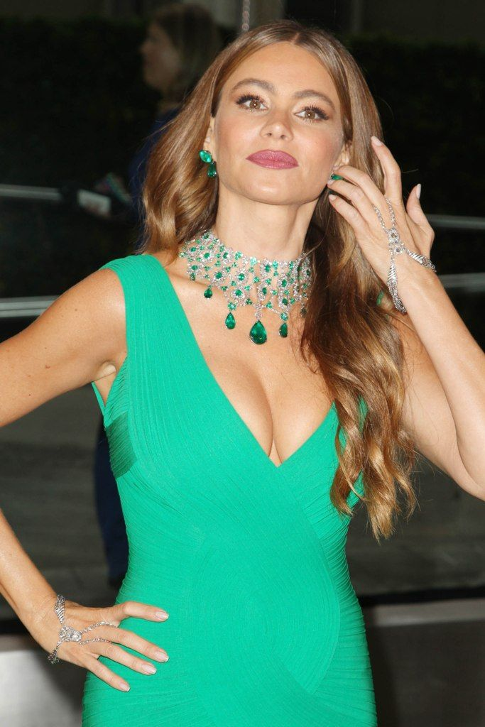 celebrity-paradise.com-The Elder-Sofia Vergara _3_