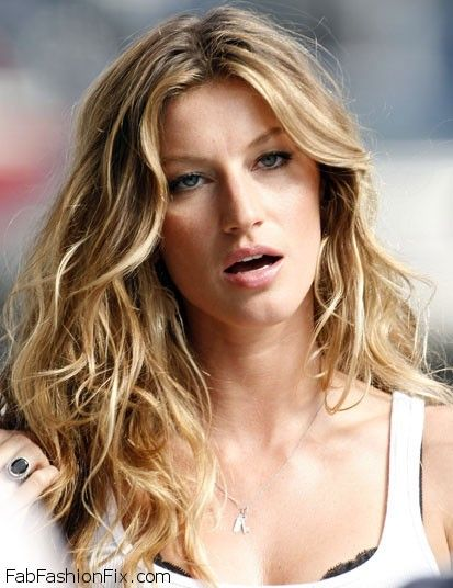 gisele-wavy-beach-hair