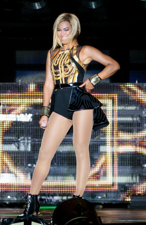 Beyonce_20130817_VFestival_001