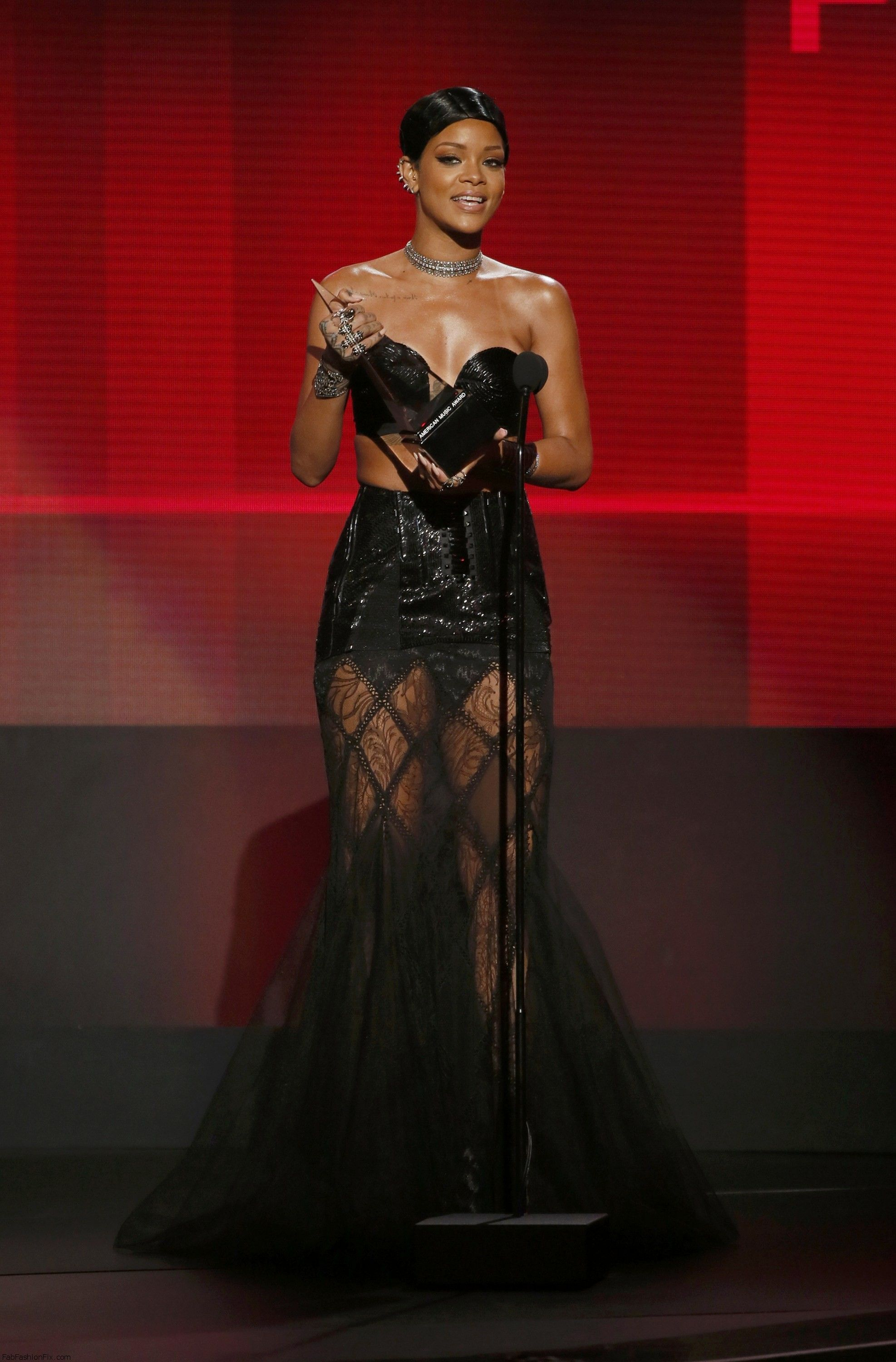 R&B female artist at the 41st American Music Awards in Los Angeles 24.11.2013_02