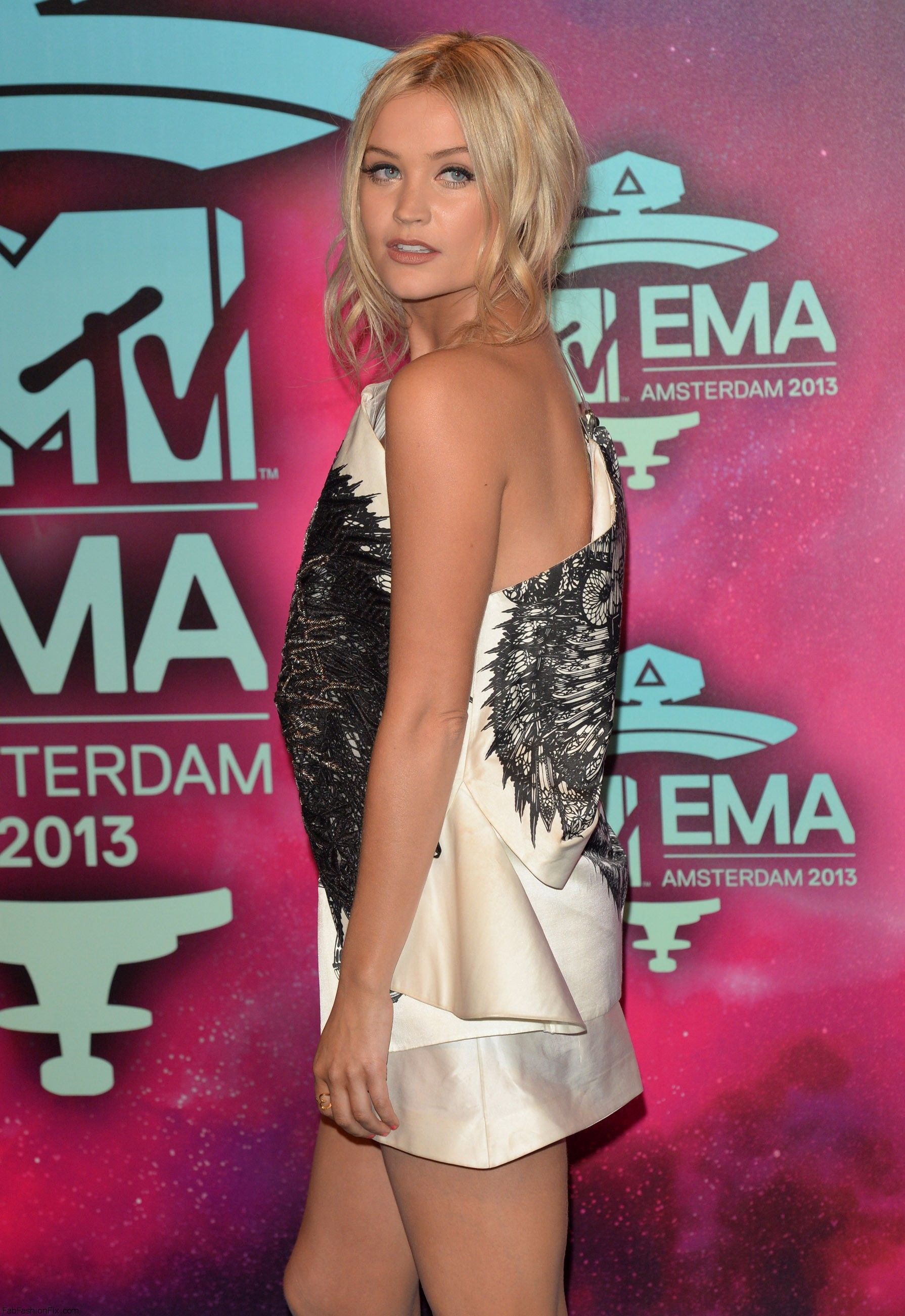 celebrity-paradise.com-The Elder-Laura Whitmore _6_