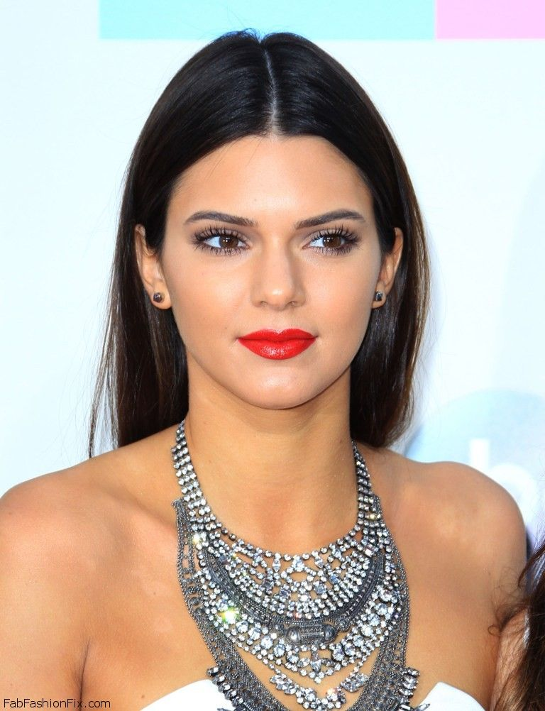 celebrity-paradise.com-The Elder-kylie and kendall _123_