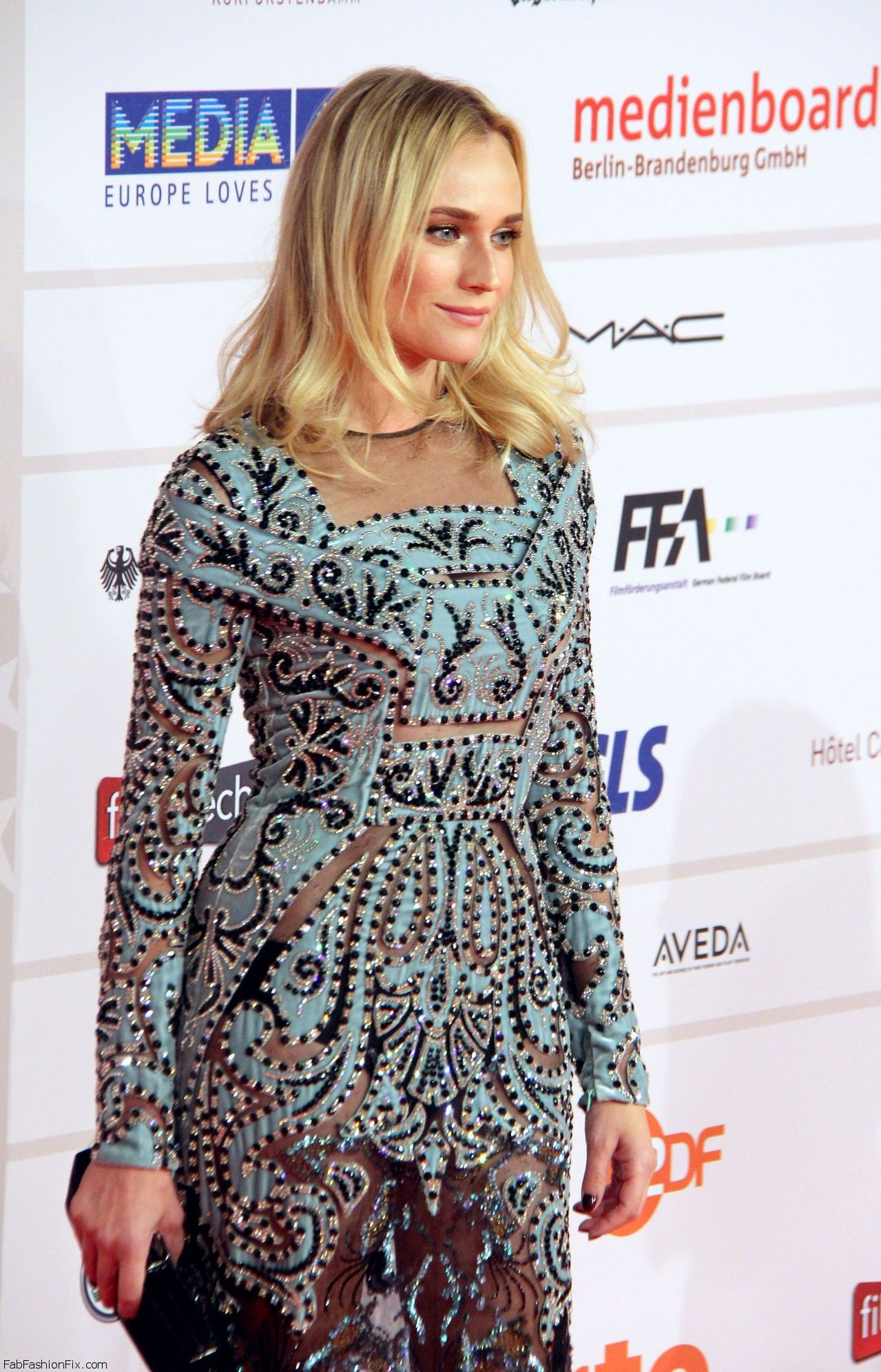 Diane_Kruger_European_Film_Awards120713_tcc_3
