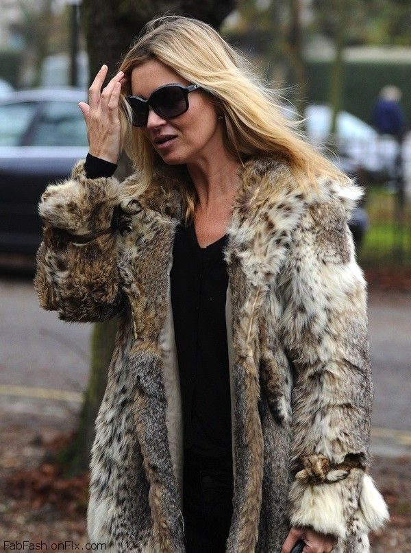 Kate Moss Arrives at Her House