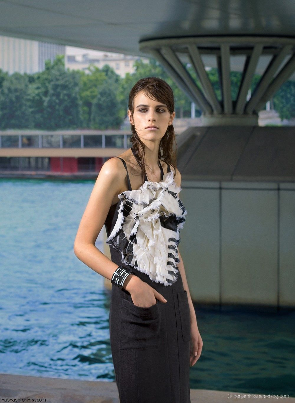2-Kayley-Chabot-Chanel-Resort-Waters-Edge-Benjamin-Kanarek-Fashion-Magazine
