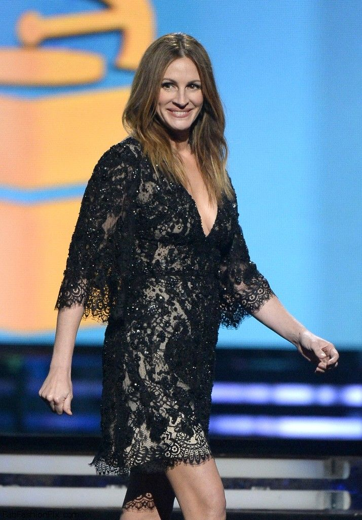 Julia+Roberts+56th+Grammy+Awards+Show+-AVA1O1DFb5x