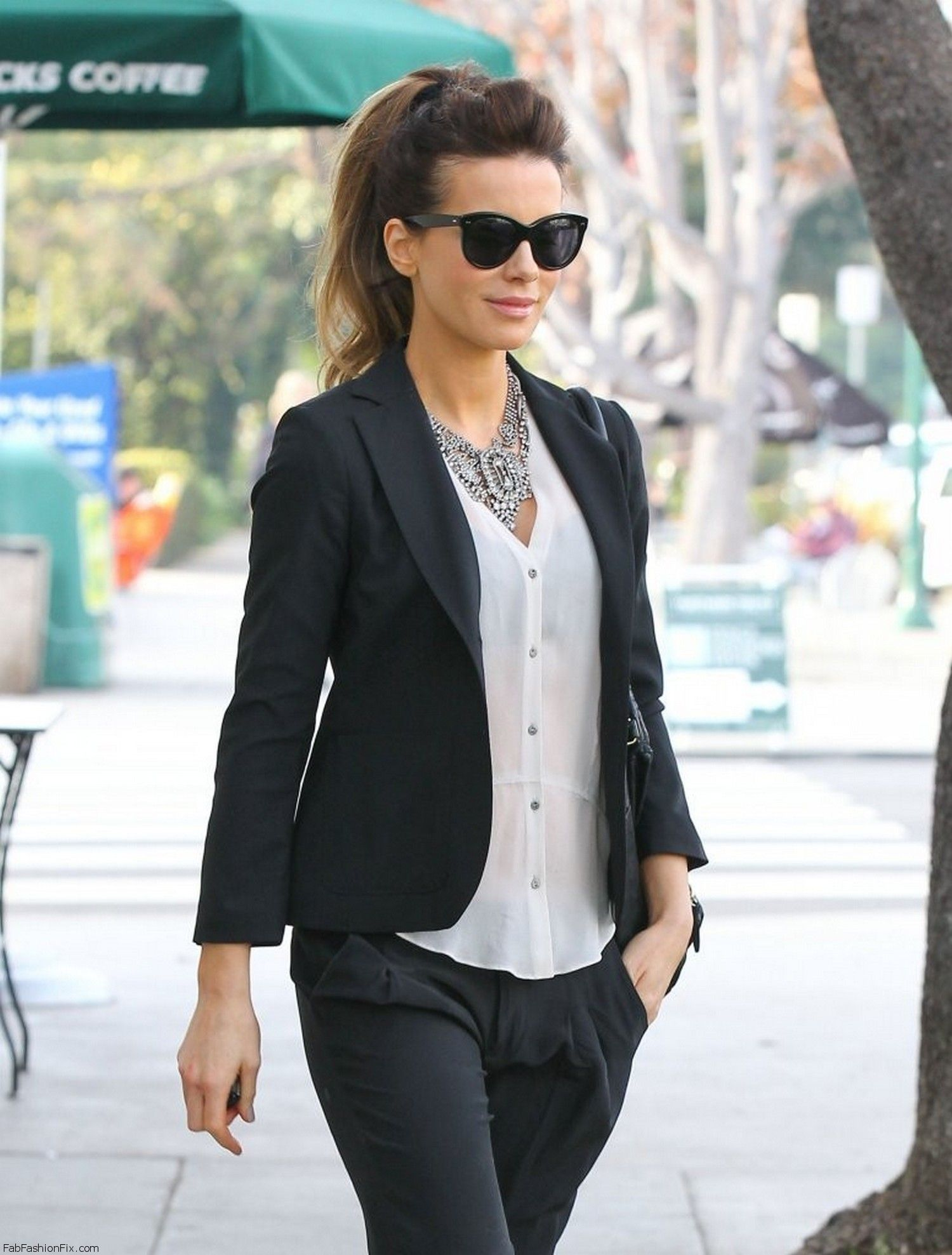 Kate Beckinsale - out in LA January 28-2014 009