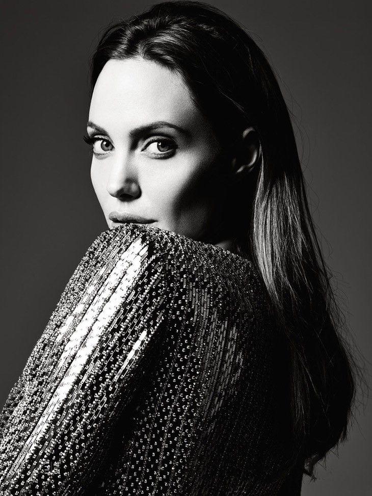 Angelina-Jolie-Elle-US-Hedi-Slimane-06