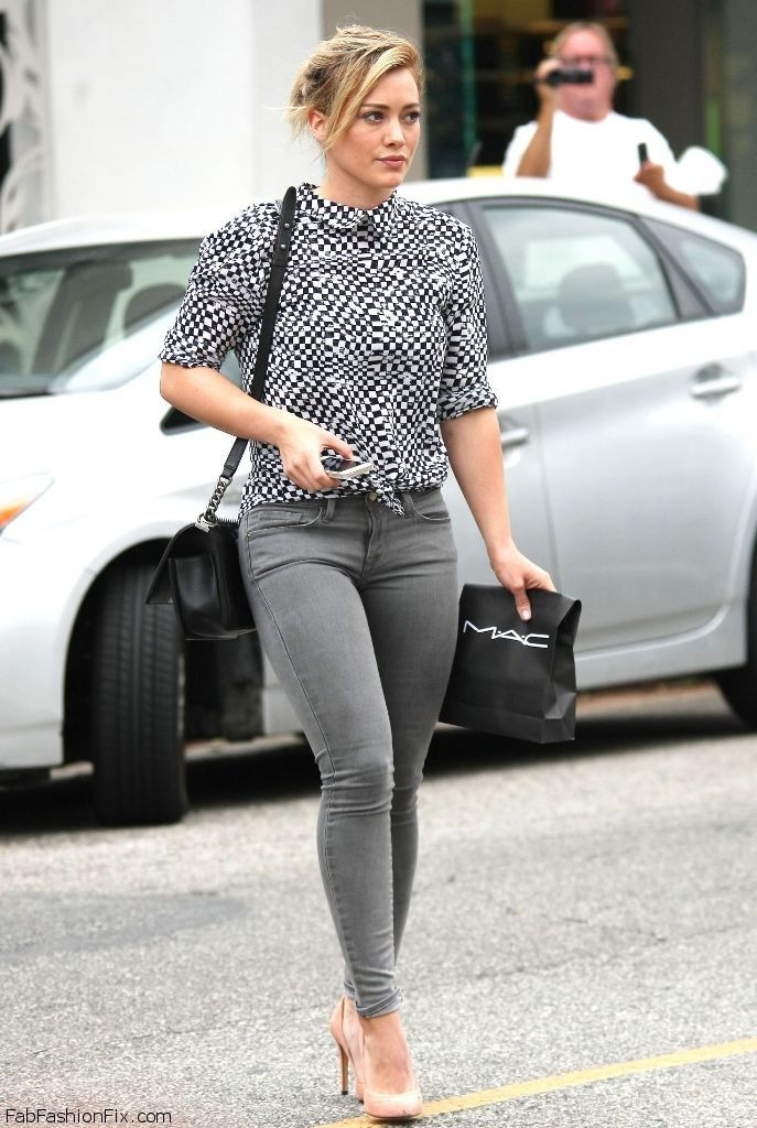 hilary-duff-in-jeans-at-mac-cosmetics-in-west-hollywood-july-2014_17