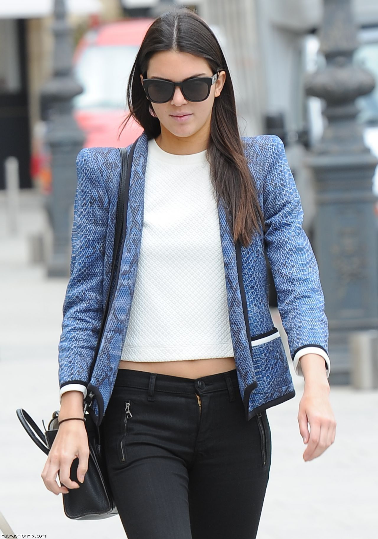 kendall-jenner-shopping-in-paris-july-2014_1
