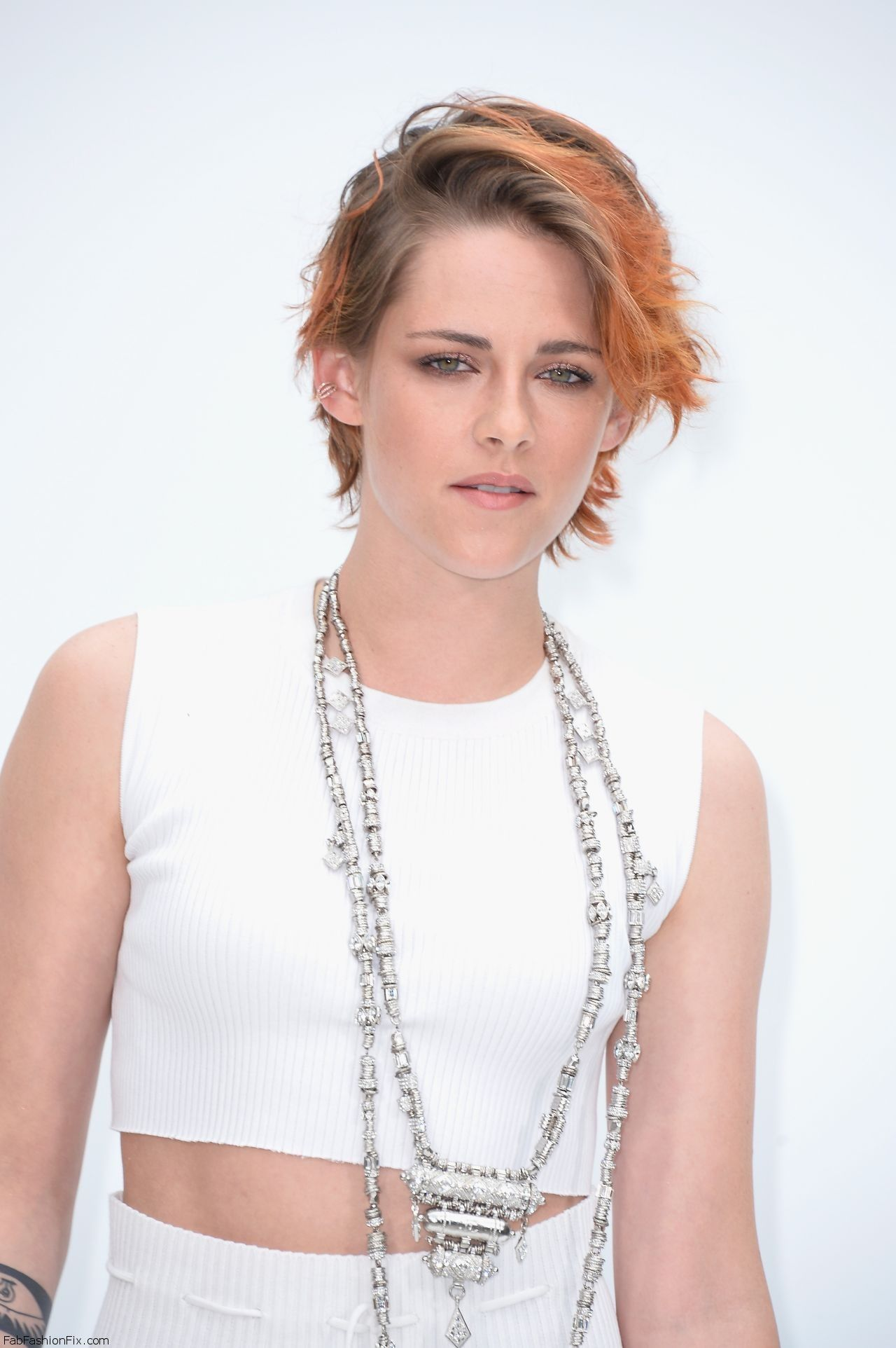 kristen-stewart-chanel-fashion-show-during-paris-fashion-week-july-2014_1
