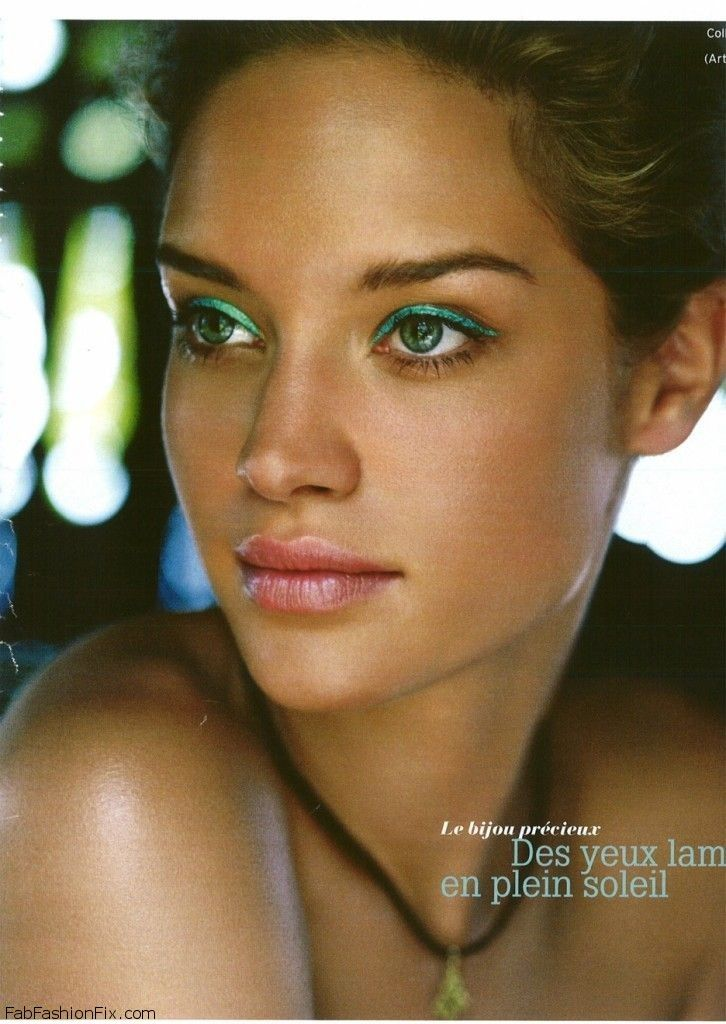 Summer Makeup: How To Wear Turquoise Eyeliner For Summer Makeup Routine