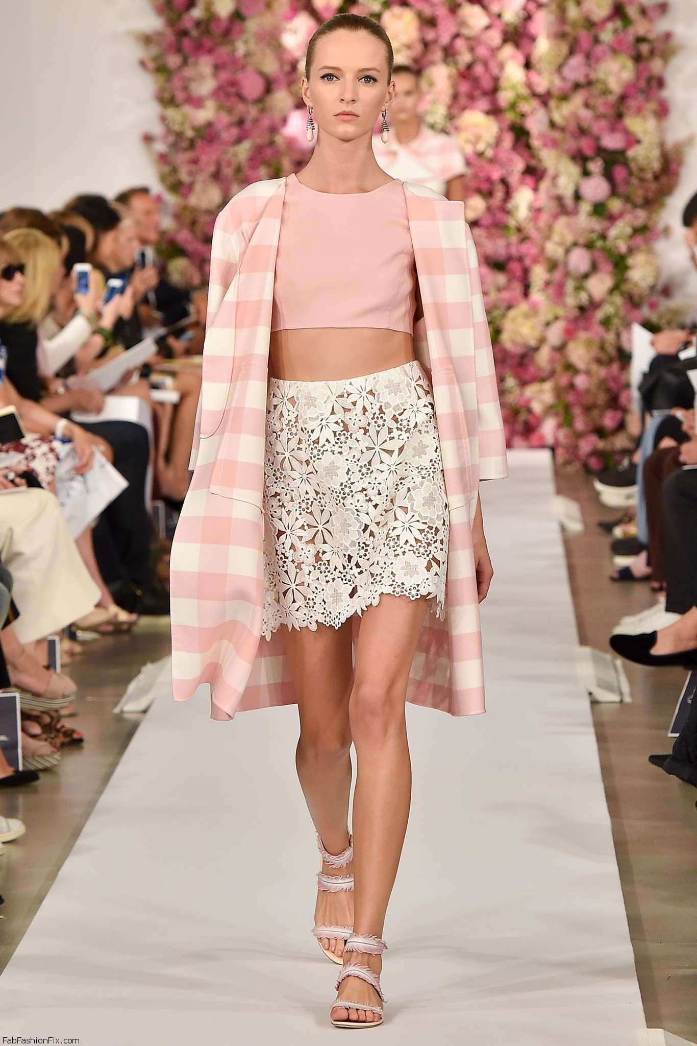 oscar de la renta spring summer 2015 collection new york fashion week fab fashion fix. Black Bedroom Furniture Sets. Home Design Ideas