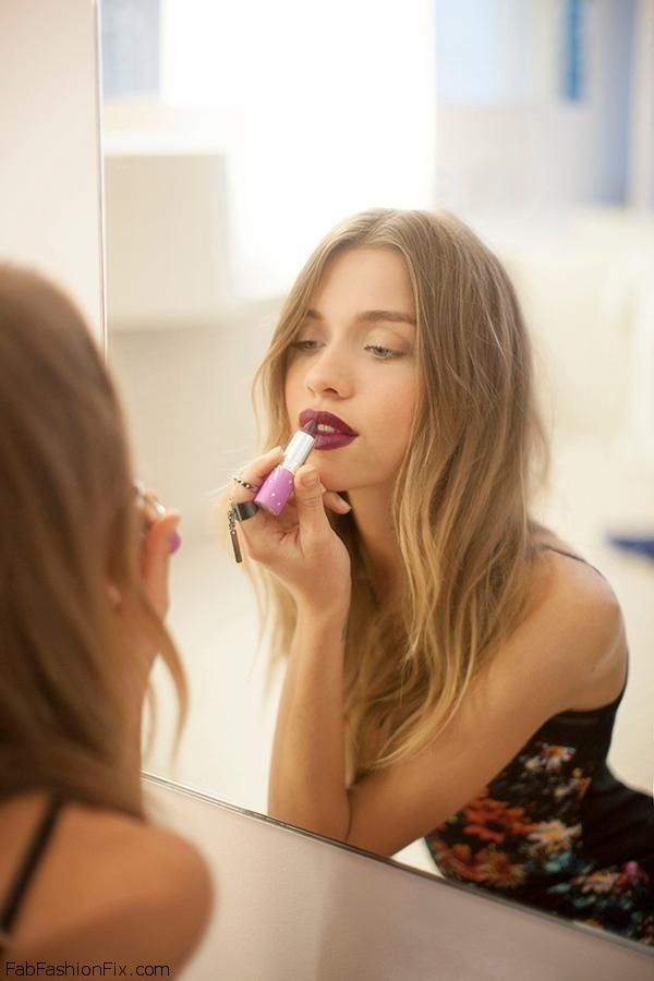 How To Wear Plum Lipstick? Plum Chic Fall Makeup Look Tutorial By Lisa Eldridge. - Fab Fashion Fix