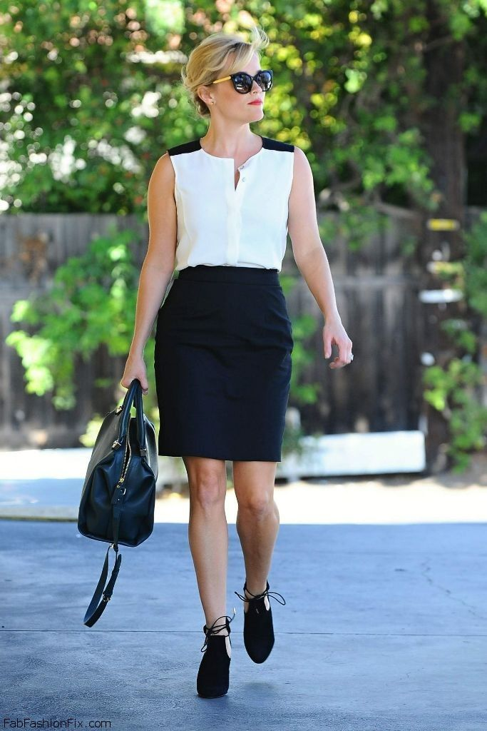 reese-witherspoon-leaving-her-office-in-beverly-hill-on-september-2014_15