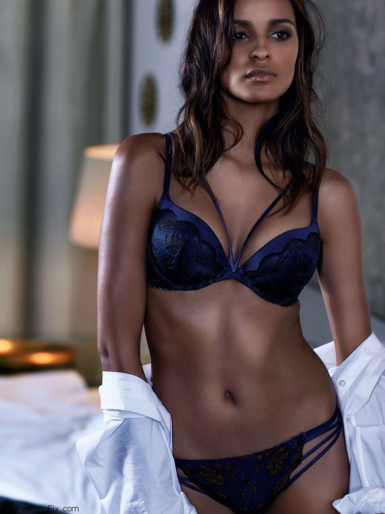 b8aa09a784bf0 Gracie Carvalho shows off her curves for Victoria s Secret lingerie ...