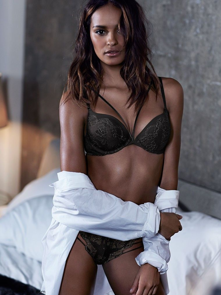 Gracie Carvalho Shows Off Her Curves For Victoria S Secret