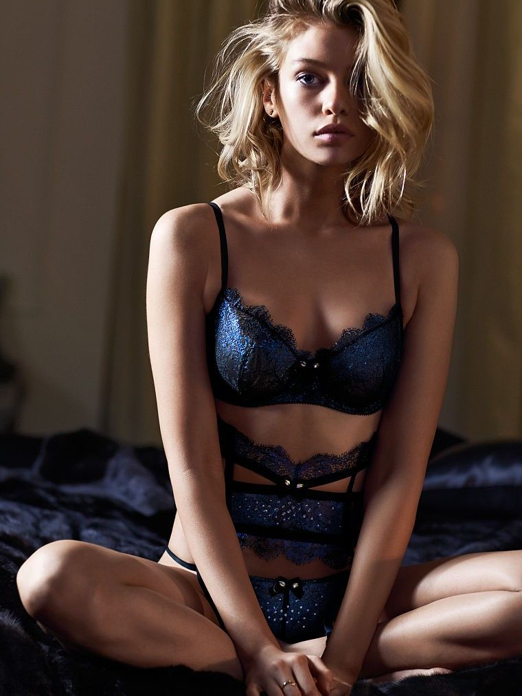 stella maxwell is sexy bombshell for victoria u0026 39 s secret lingerie