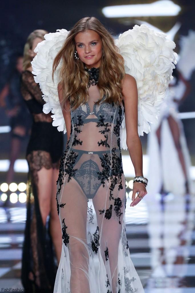 Kate_Grigorieva_Victoria_Secret_Runway_Show_Sow_E