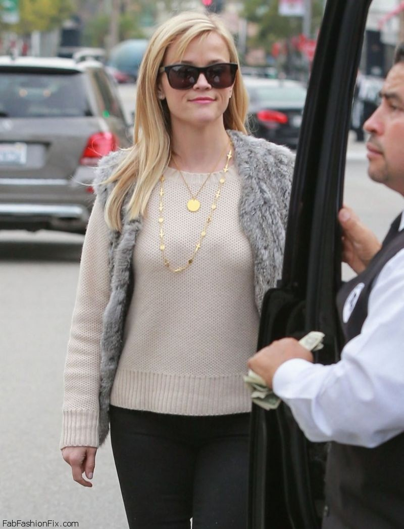 reese-witherspoon-style-at-the-palm-restaurant-in-beverly-hills-december-2014_6