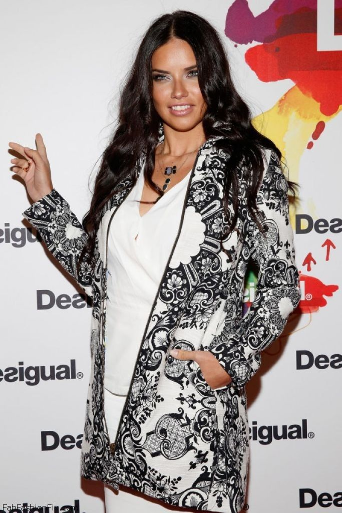 adriana-lima-desigual-fashion-show-mbfw-fall-2015-in-new-york-city_7