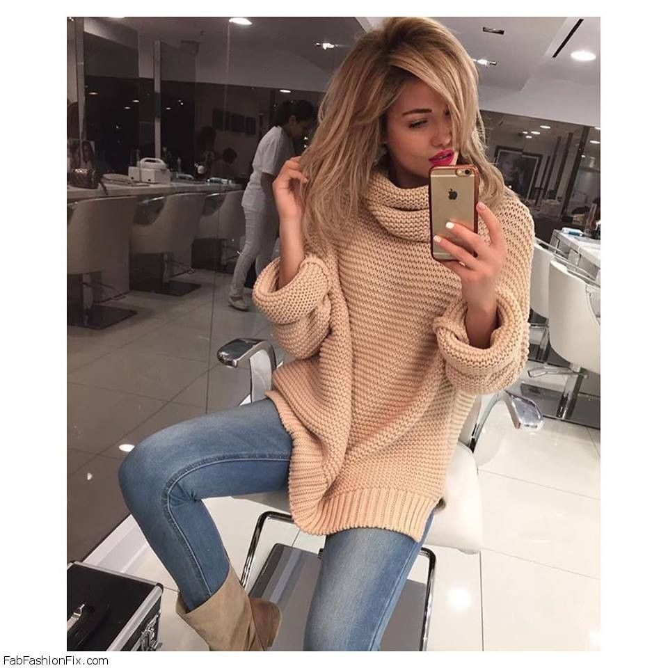 Style Guide: How to wear oversized sweater this fall?