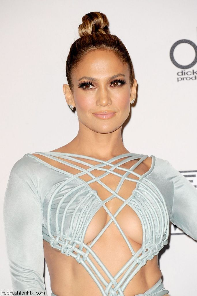 jennifer-lopez-on-red-carpet-2015-american-music-awards-in-los-angeles_21