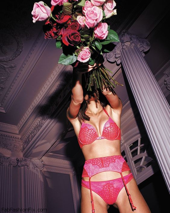 Victoria's Secret Angels Steal The Spotlight In Valentine's Day 2016 Collection
