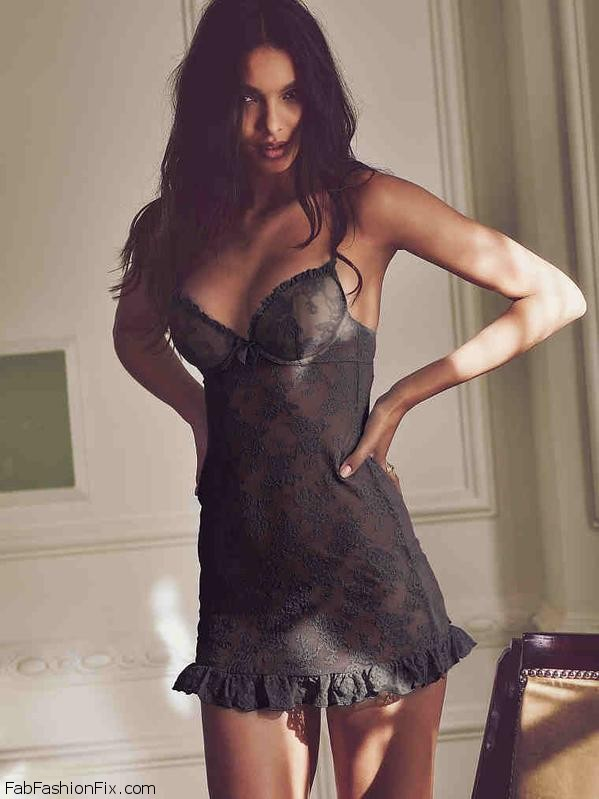 Lais Ribeiro Flaunts Her Curves For Victoria`s Secret Lingerie (February 2016)