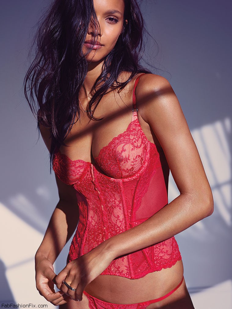 Victoria S Secret Angels Steal The Spotlight In Valentine S Day 2016